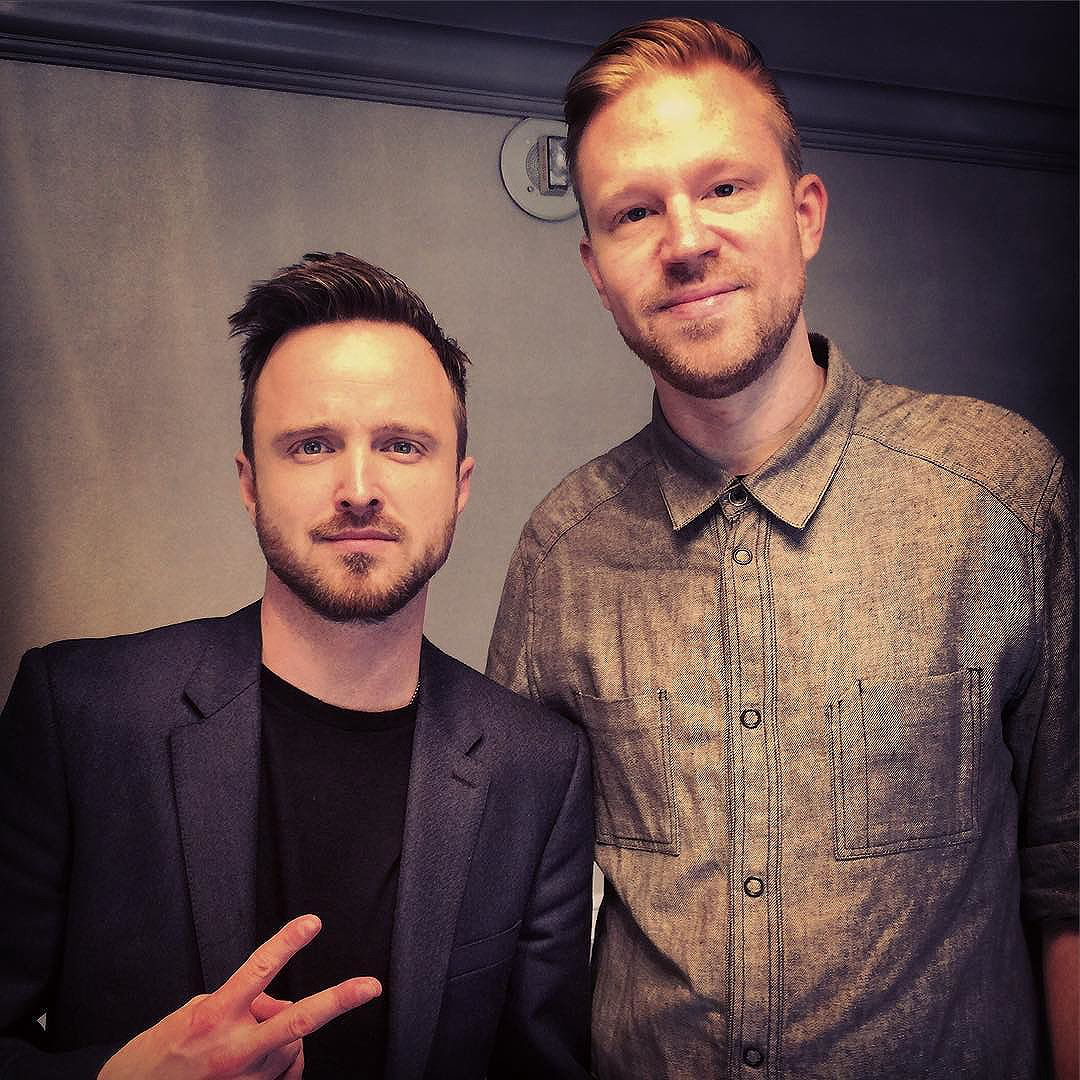 photo chilling with Aaron Paul #2