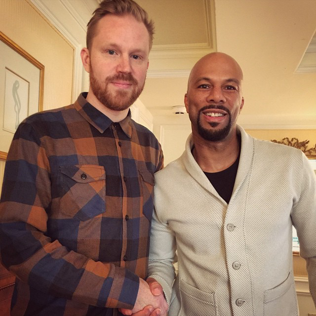 photo chilling with Common