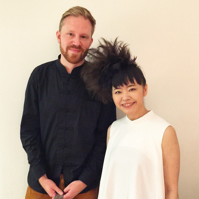 photo chilling with Hiromi Uehara #1